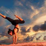 La nouvelle tendance du yoga: l'escalade